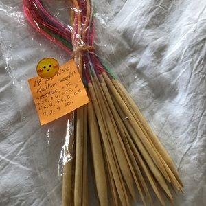 Knitting needle set
